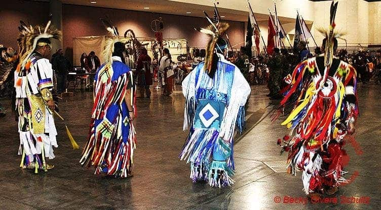 Pow wow:  Les Regalias